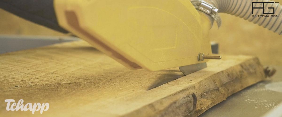 Tavail artisanal a partir de planches brut pour vous garantir des matériaux de qualité et un tarif abordable.