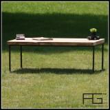 Table basse Axis type industriel en bois massif, bords brut, Live-Edge et acier brut. Artisanat Francais.