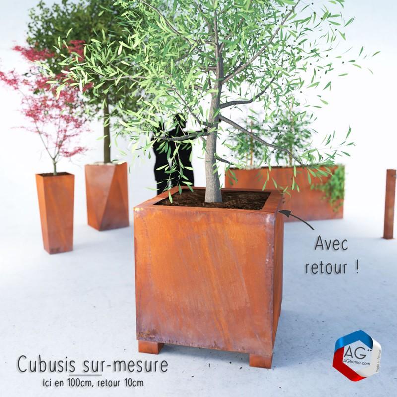 Bac à plantes Cŭbusis, modèle présenté 100cm avec retours de 10 cm et pieds pour transpalette