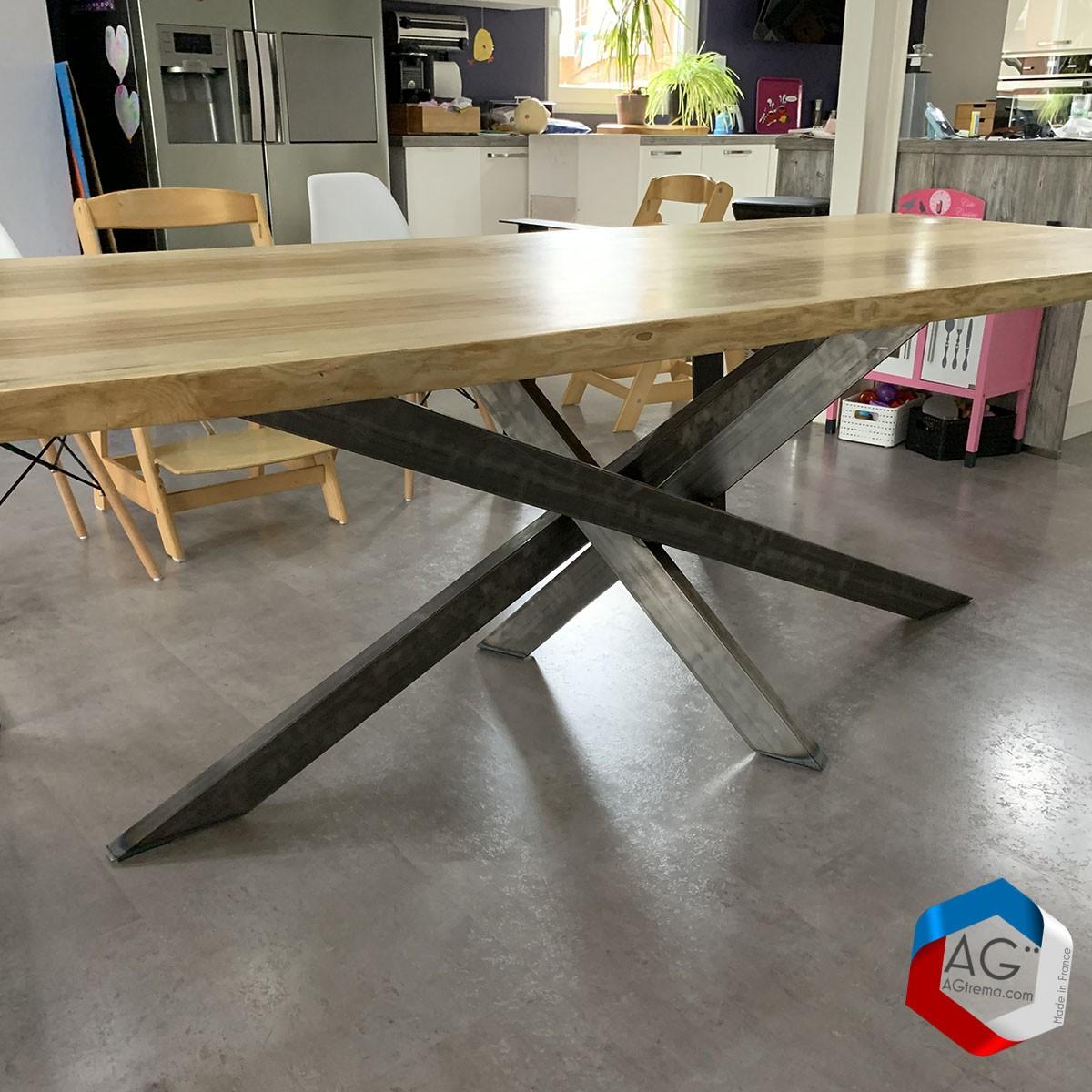 Table live egde plateau bois massif et pieds mikado acier - AGtrema