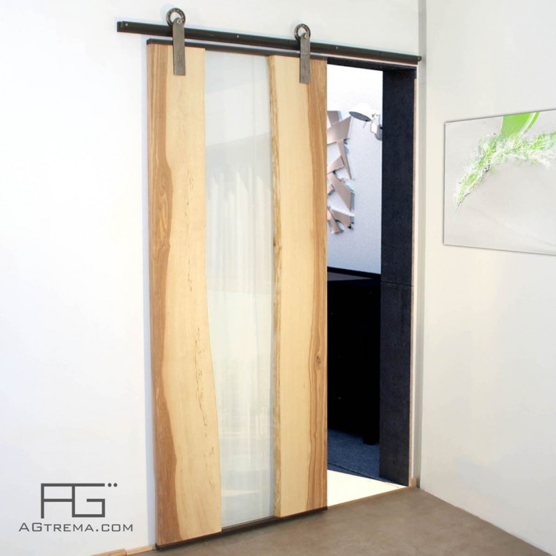 Porte coulissante g nus en bois live edge verre et acier for Porte living