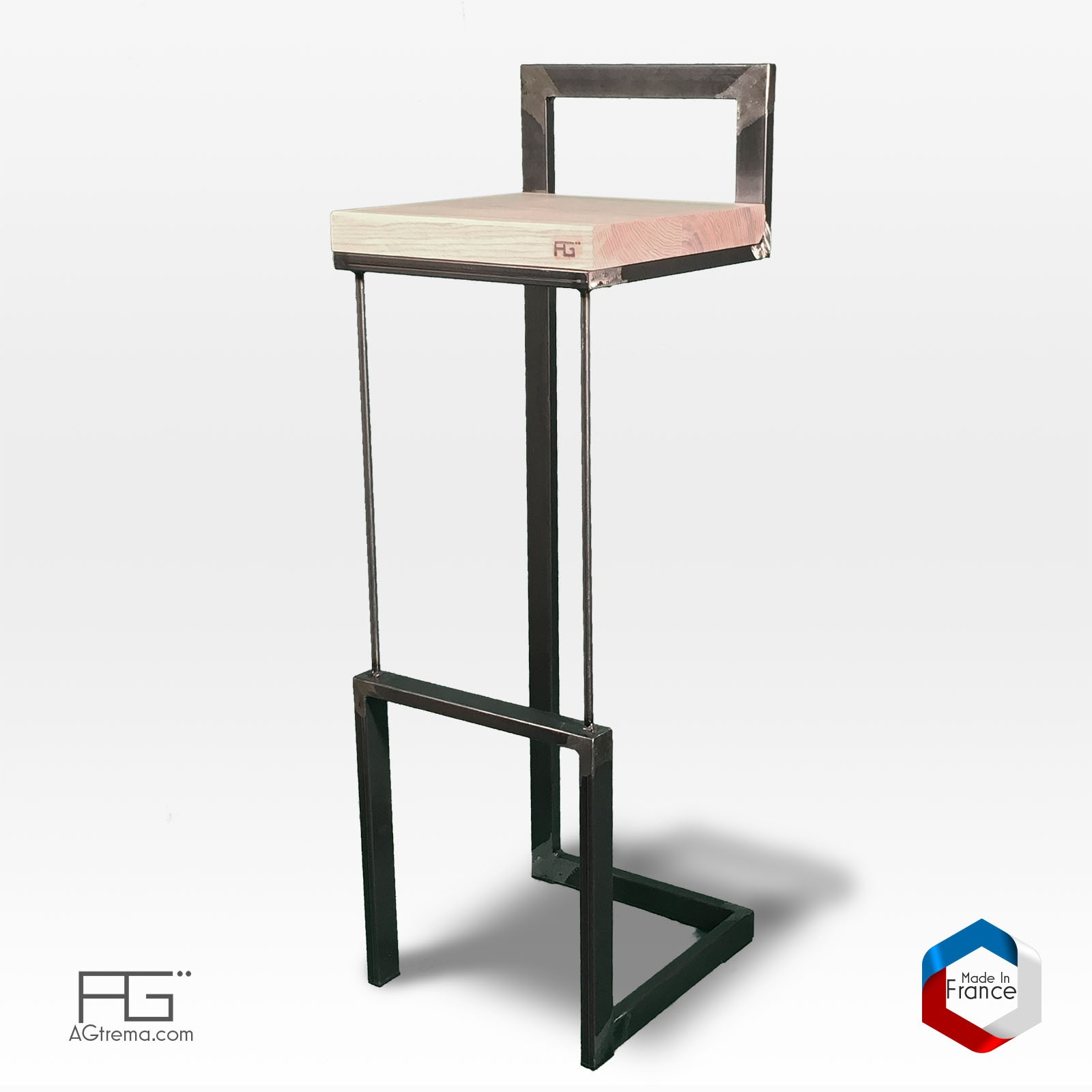 tabouret de bar buccula en acier brut et bois massif agtrema. Black Bedroom Furniture Sets. Home Design Ideas